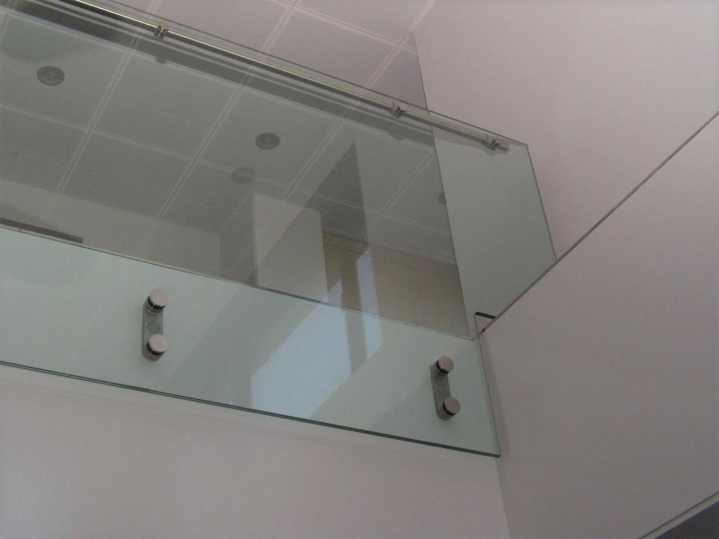 Glasværn trappe