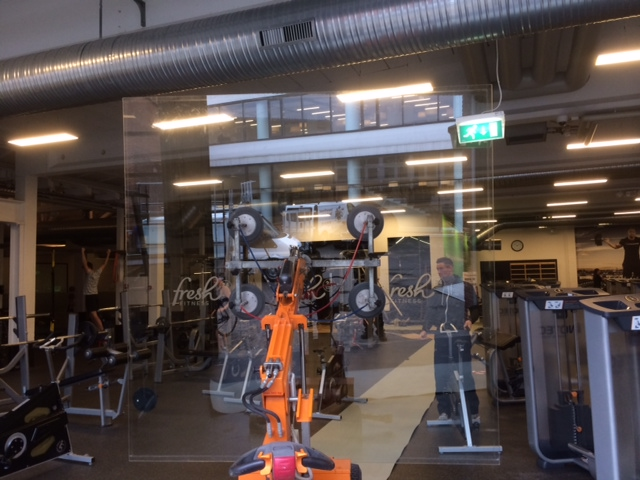 Glasvæg fra LE Glas til motionscenter