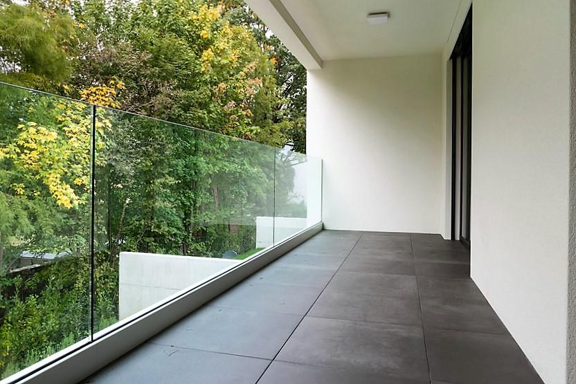 Glas afskærmning af altan