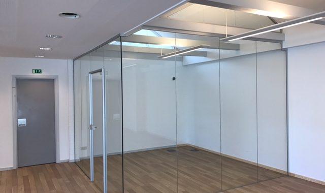 Glasvægge til kontor og mødelokaler fra LE Glas