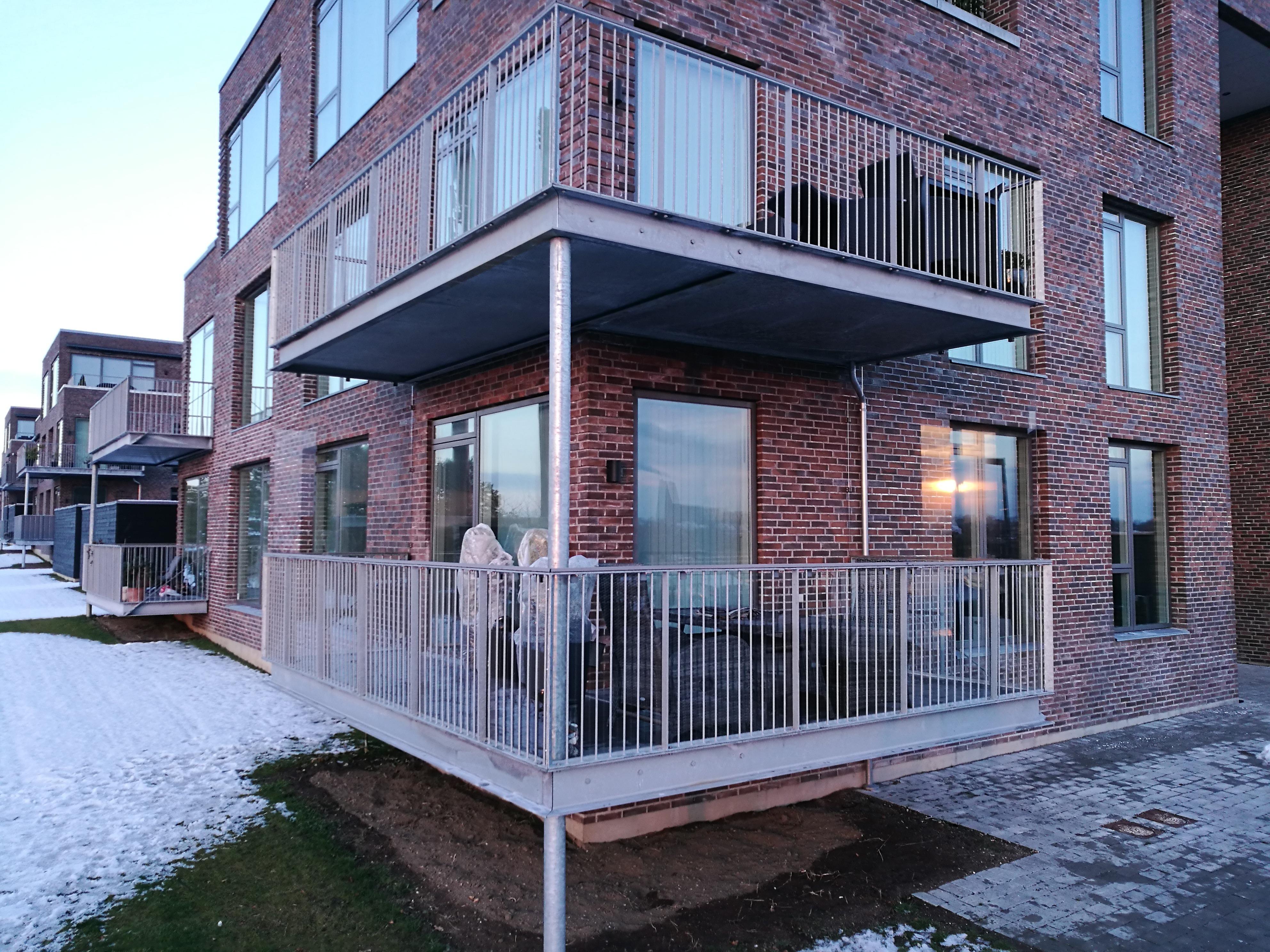 Glasafskærmning til altan - Himmelev Have Roskilde - Glarmester i ...